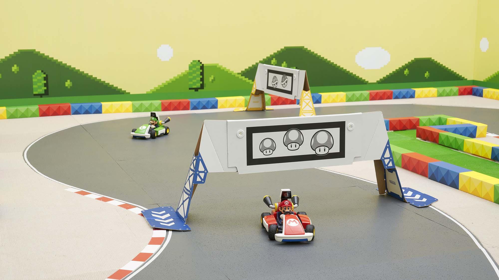 NSwitch_MarioKartLive_Overview_Circuit_Carousel_02.jpg