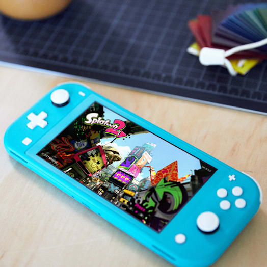 Nintendo Switch Lite (Yellow) Pokémon Shield Pack image 9