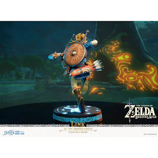 The Legend of Zelda: Breath of the Wild Link Figurine (Collector's Edition) image 4