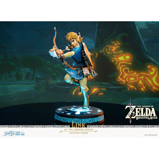 The Legend of Zelda: Breath of the Wild Link Figurine (Collector's Edition) image 3