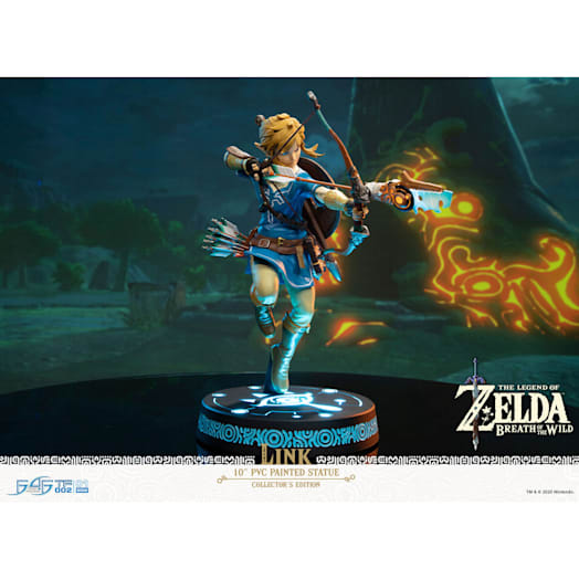 The Legend of Zelda: Breath of the Wild Link Figurine (Collector's Edition) image 5
