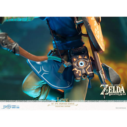 The Legend of Zelda: Breath of the Wild Link Figurine (Collector's Edition) image 7