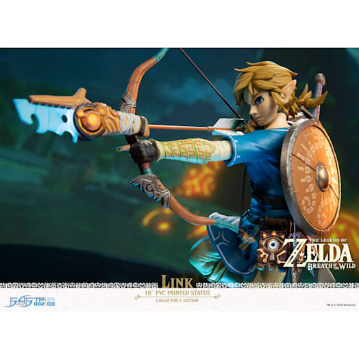 The Legend of Zelda: Breath of the Wild Link Figurine (Collector's Edition) image 6