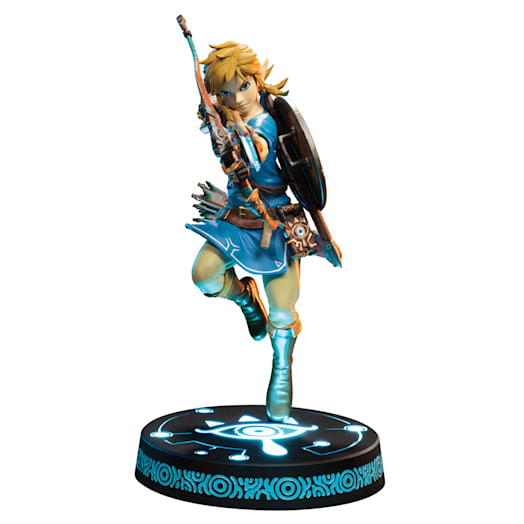 The Legend of Zelda: Breath of the Wild Link Figurine (Collector's Edition)